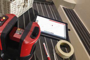digitale inmeet aparatuur op de boot